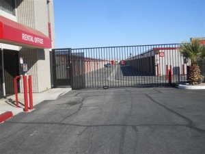 Devon Self Storage - Gene Autry