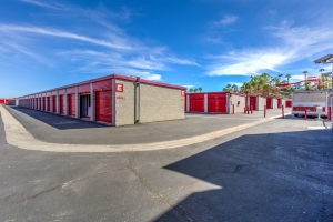 Devon Self Storage - Gene Autry - Photo 6