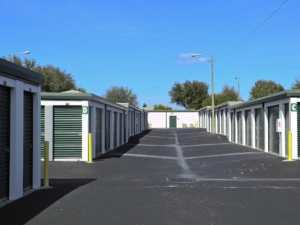 Image of Century Storage - Christina Facility on 455 Commerce Drive  in Lakeland, FL - View 4