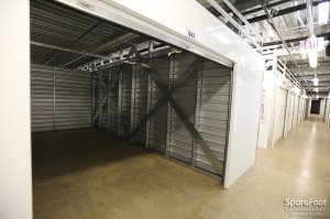 Rent Storage From American Self Storage Linden Linden Nj 07036 Online Or Call 1 877 691 2497