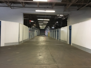 Devon Self Storage - Poplar Ave. - Photo 2