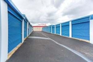 Devon Self Storage - Poplar Ave. - Photo 7