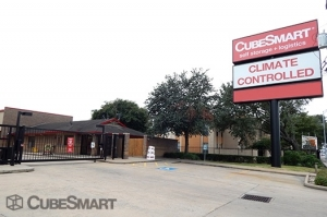 CubeSmart Self Storage - Houston - 7939 Westheimer Rd - Photo 1