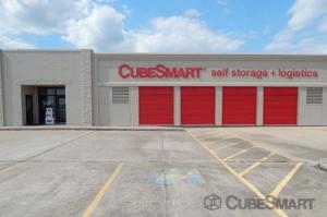Image of CubeSmart Self Storage - Rosenberg Facility on 5601 Avenue I  in Rosenberg, TX - View 2
