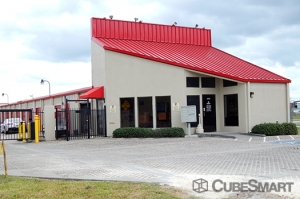 CubeSmart Self Storage - Pearland - 1525 North Main Street Facility at  1525 N Main St, Pearland, TX