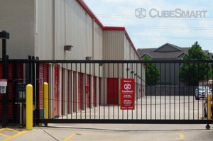 CubeSmart Self Storage - Houston - 7017 Almeda Rd - Photo 6