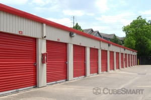 CubeSmart Self Storage - Houston - 7017 Almeda Rd - Photo 7