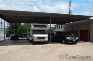 CubeSmart Self Storage - Houston - 7017 Almeda Rd - Photo 9