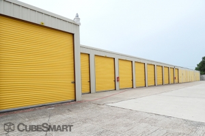 CubeSmart Self Storage - Houston - 10030 Blackhawk Boulevard - Photo 5