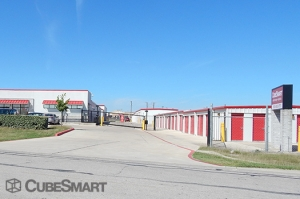 CubeSmart Self Storage - Hutto - 646 West Front Street - Photo 6