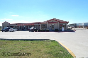 CubeSmart Self Storage - Manor - Photo 4