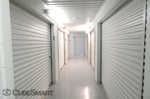 View Larger CubeSmart Self Storage   Pearland   10401 Broadway Street    Photo 4