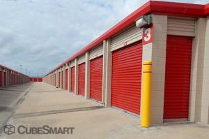CubeSmart Self Storage - Pearland - 10401 Broadway Street - Photo 6