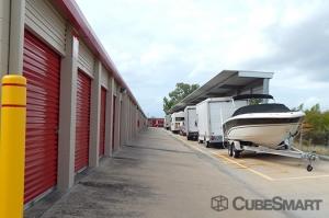 CubeSmart Self Storage - Pearland - 10401 Broadway Street - Photo 7