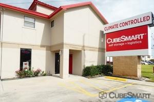 CubeSmart Self Storage - Pearland - 10401 Broadway Street - Photo 11