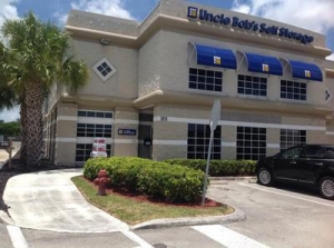 Life Storage - Lake Worth - South Military Trail