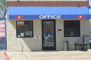 Image of StorQuest - Dallas/Denton Facility on 10333 Denton Drive  in Dallas, TX - View 4
