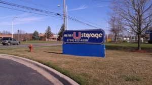 Image of Mini U Storage - Merriman Facility on 13450 Merriman Rd  in Livonia, MI - View 3