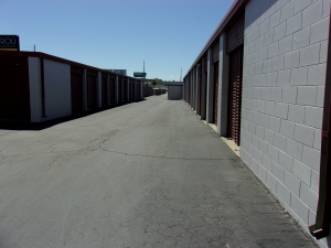 Image of Mini U Storage - I-70 Facility on 3900 E 45th Ave  in Denver, CO - View 4