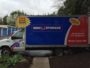 Mini U Storage - Capital Plaza - Photo 5