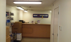 Mini U Storage - Landmark - Photo 2