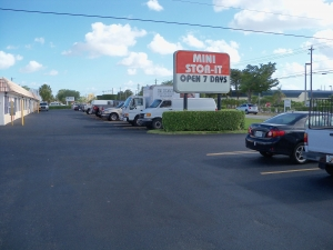 West Palm Mini Stor-It - Photo 8