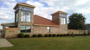 Life Storage - Round Rock - North AW Grimes Boulevard - Photo 1