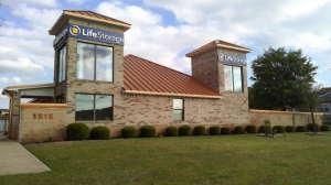 Life Storage - Round Rock - North AW Grimes Boulevard Facility at  1515 N Aw Grimes Blvd, Round Rock, TX
