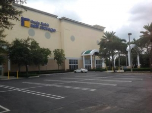 Uncle Bob's Self Storage - West Palm Beach - Mercer Avenue