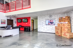 CubeSmart Self Storage - Phoenix - 2680 E Mohawk Ln - Photo 7