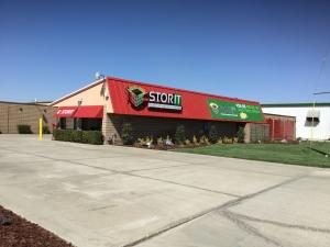 Stor It Plaza