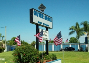 Outer Space Mini Storage - Port Richey - Photo 2