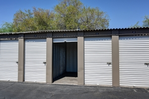 Storage West - Glendale - Photo 6