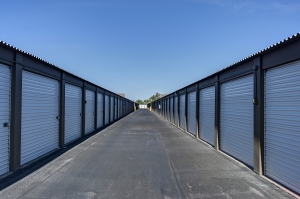 Storage West - Glendale - Photo 8