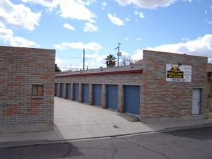 Double J Court Self Storage - Washington St.