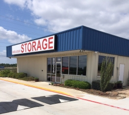 Big and Safe Self Storage