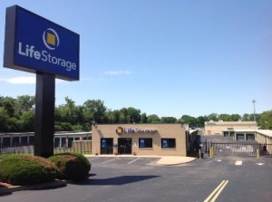 Life Storage - Florissant - Dunn Road