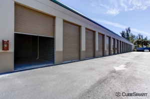 CubeSmart Self Storage - Royal Palm Beach - 8970 Belvedere Rd - Photo 7