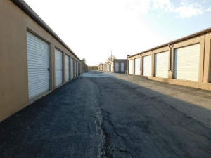 Picture of I-35/I-435 Self Storage