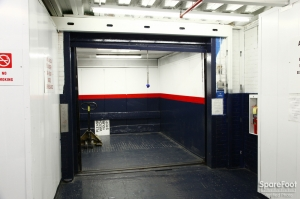 American Self Storage - Long Island City (Queens) - Photo 12