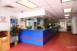 American Self Storage - Long Island City (Queens) - Photo 17
