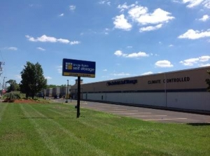 Uncle Bob's Self Storage - Matawan - Highway 34