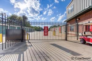 Image of CubeSmart Self Storage - Tyler - 3016 W Gentry Pkwy Facility on 3016 W Gentry Pkwy  in Tyler, TX - View 4