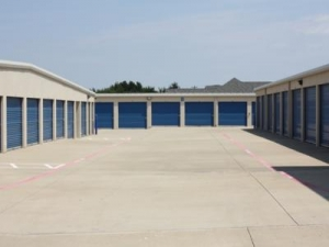 Image of Advantage Storage - Highland Village Facility on 2150 Justin Road  in Highland Village, TX - View 4