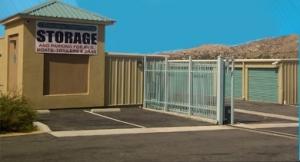 Country Club Mini Storage - Photo 2