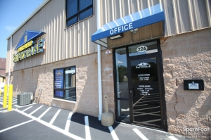 Fairfield Self Storage - 226 Passaic Avenue - Photo 4