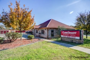 Image of CubeSmart Self Storage - Austin - 2201 South Pleasant Valley Road Facility at 2201 S Pleasant Valley Rd  Austin, TX