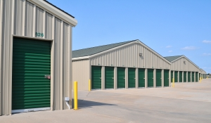 Image of StorageMart - Holmes Road & E 137th Street Facility on 13750 Holmes Rd  in Kansas City, MO - View 2