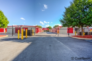 CubeSmart Self Storage - Bolingbrook - Photo 6