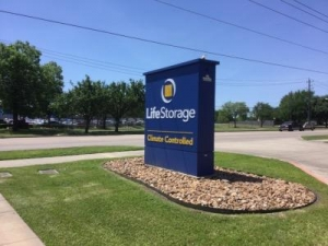 View Larger Life Storage   Pearland   Photo 7